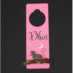 Cuelga puertas rosa gato. 8x24cm.