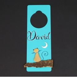 Cuelga puertas azul gato. 8x24cm.