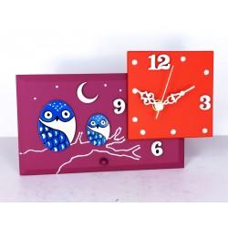 18. Reloj cuadrado con base rectangular de cristal 12x20cm. Búhos azules.