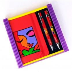 Caja libreta bolsillo + bolígrafo + portaminas. Frida