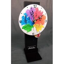 10. Reloj redondo péndulo...