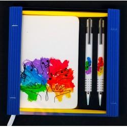 Caja libreta bolsillo + bolígrafo + portaminas. Manos
