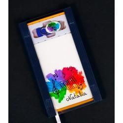Caja libreta bolsillo + pen drive de 32GB. Piano